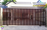 051.jpg - ประตูรั้วสแตนเลส ผสมอลูมิเนียมลายไม้ | https://thai304.com