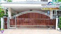 081.jpg - ประตูรั้วสแตนเลส ผสมอลูมิเนียมลายไม้ | https://thai304.com