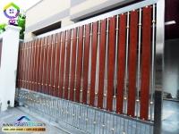 084.jpg - ประตูรั้วสแตนเลส ผสมอลูมิเนียมลายไม้ | https://thai304.com