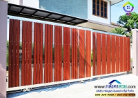 101.jpg - ประตูรั้วสแตนเลส ผสมอลูมิเนียมลายไม้ | https://thai304.com